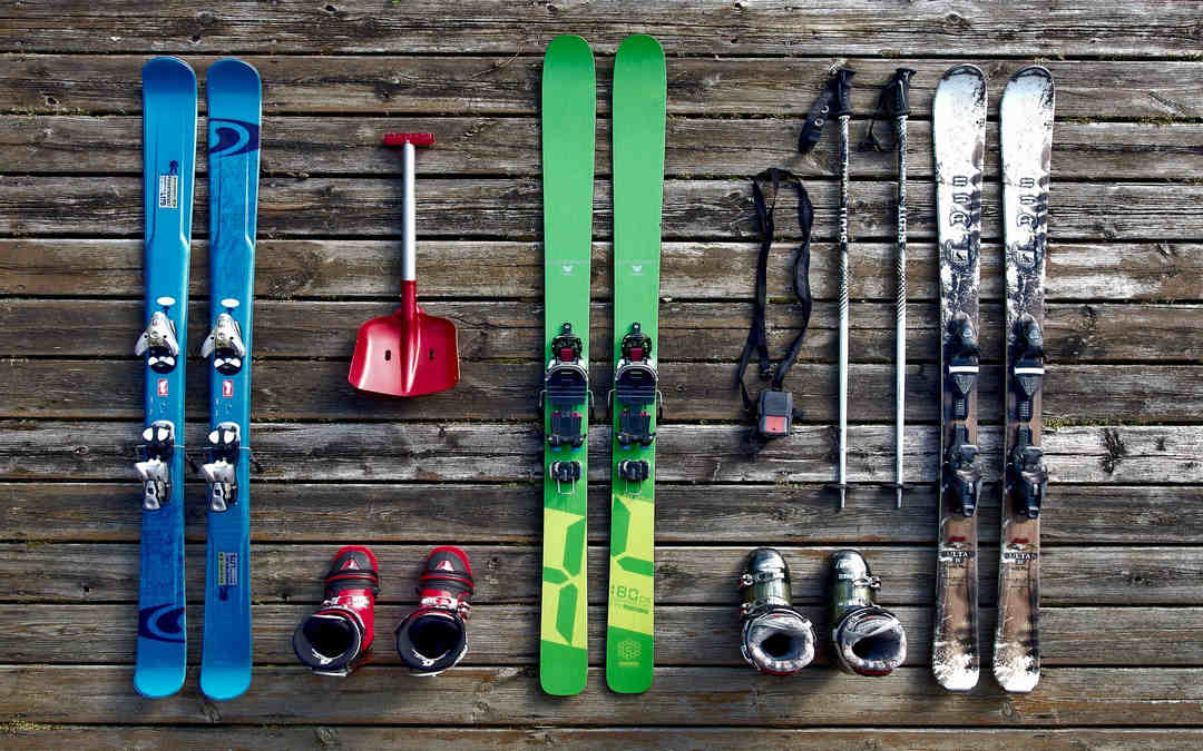 Come spedire un paio di sci: il pensiero più bello per gli amanti della neve